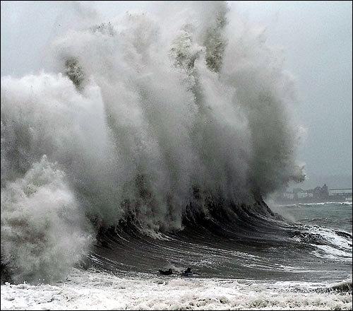 Surf_penzance_jan2008